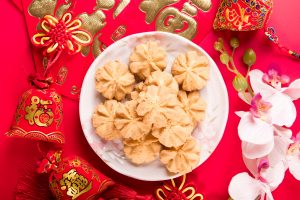 chinese new year snacks for people to enjoy snacking
